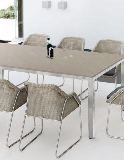 SEASHELL Essgruppe mit Pantoon Tisch, DEDON