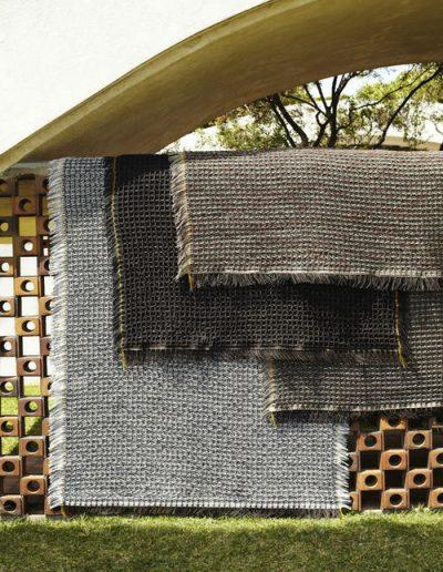 Terrassenteppiche von Kettal in verschiedenen Farben erhältlich